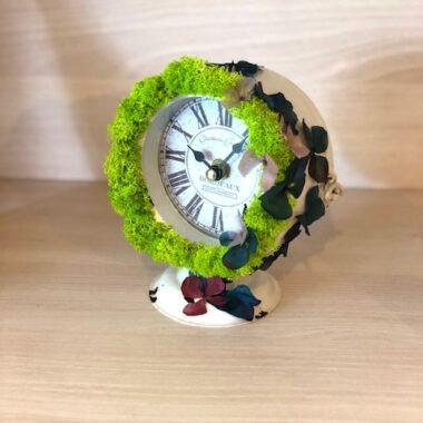 ceas vintage cu licheni decorativi 2